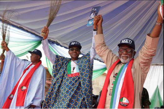 president-buhari-presents-apcs-rotimi-akeredolu-to-ondos-voters