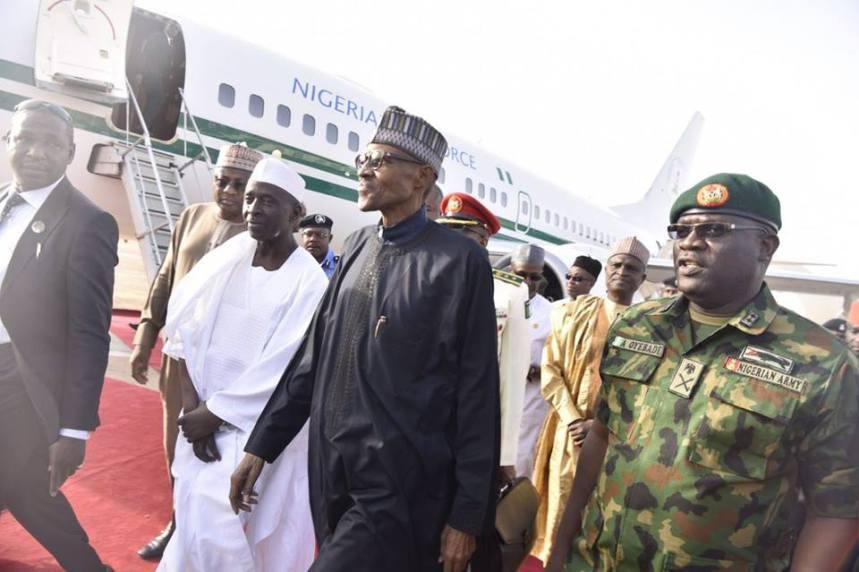 Buhari_arrives_from_London_3